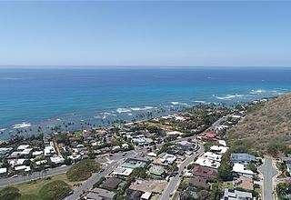 Diamond Head Land