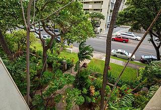 Liliuokalani Gardens Condo