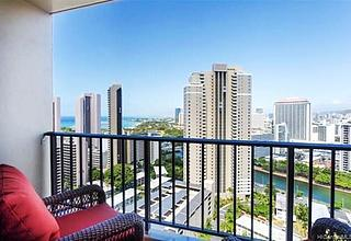 Chateau Waikiki Rental